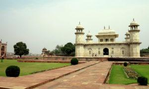 Chorten India Agra Baby Taj p md