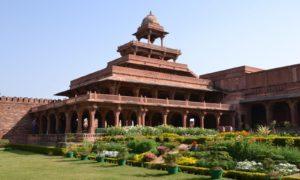 Chorten India Agra Fatehpur 2