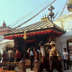 Chorten-Nepal-Kathmandu-Boudha-p2-md-g-horiz ceu 4